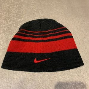 NIKE Winter Hat, Black-red, One Size